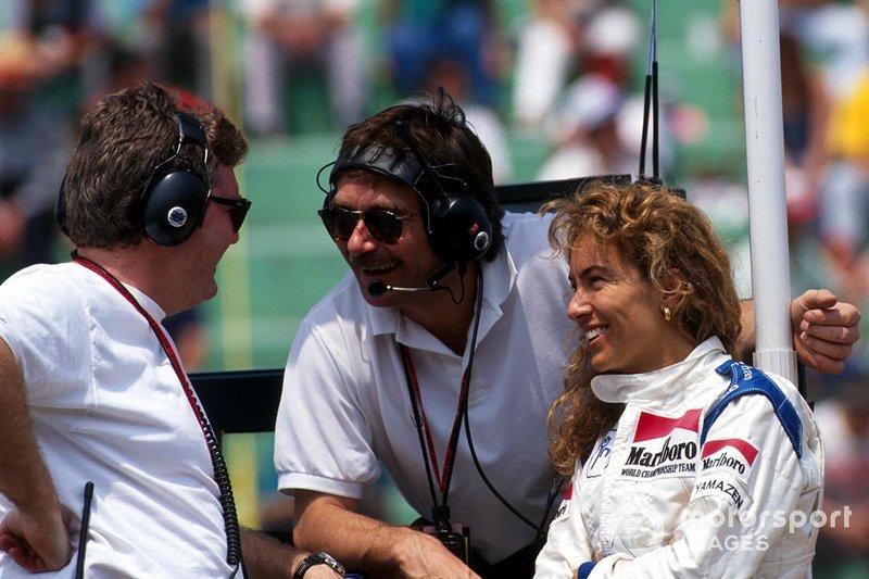 Giovanna Amati con miembros del equipo Brabham