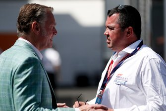 Sean Bratches, Managing Director of Commercial Operations, Formula One Group e Eric Boullier