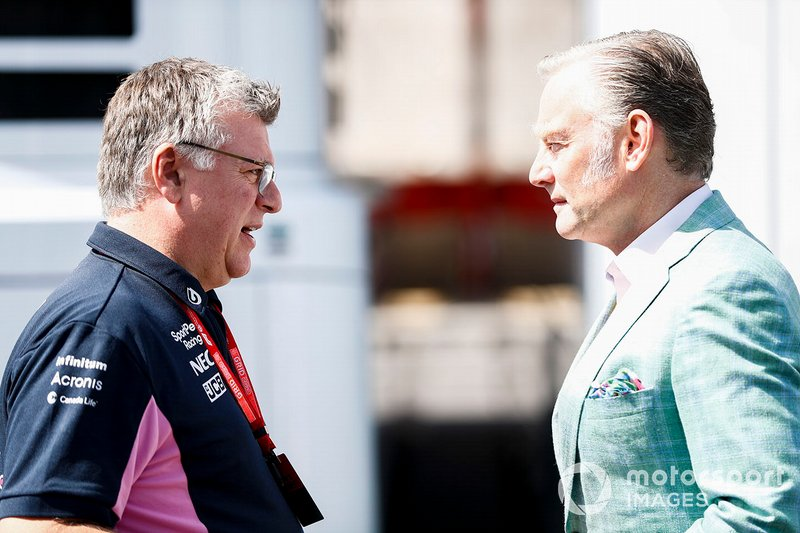 Otmar Szafnauer, Team Principal et PDG de Racing Point avec Sean Bratches, directeur des opérations commerciales du Formula One Group