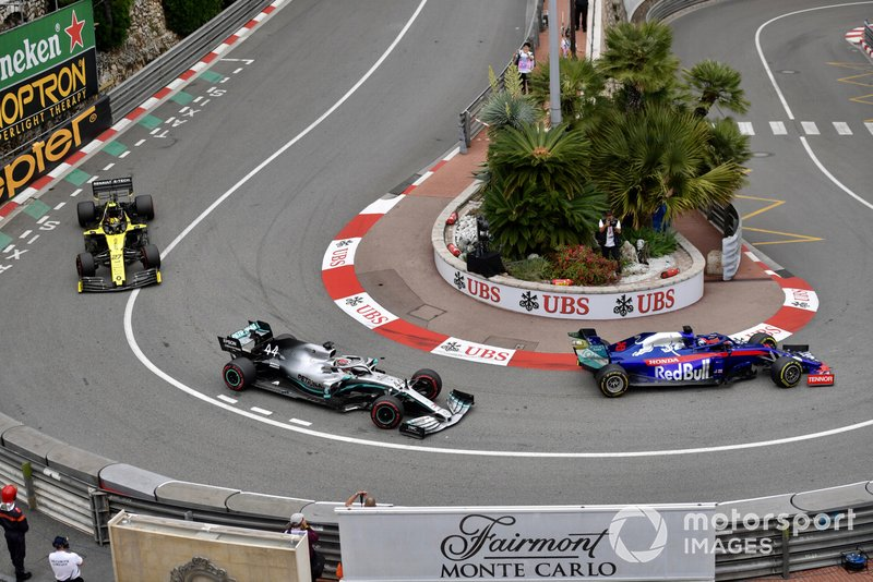 Daniil Kvyat, Toro Rosso STR14, Lewis Hamilton, Mercedes AMG F1 W10, Nico Hulkenberg, Renault R.S. 19