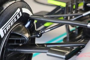 Mercedes front suspension technical detail