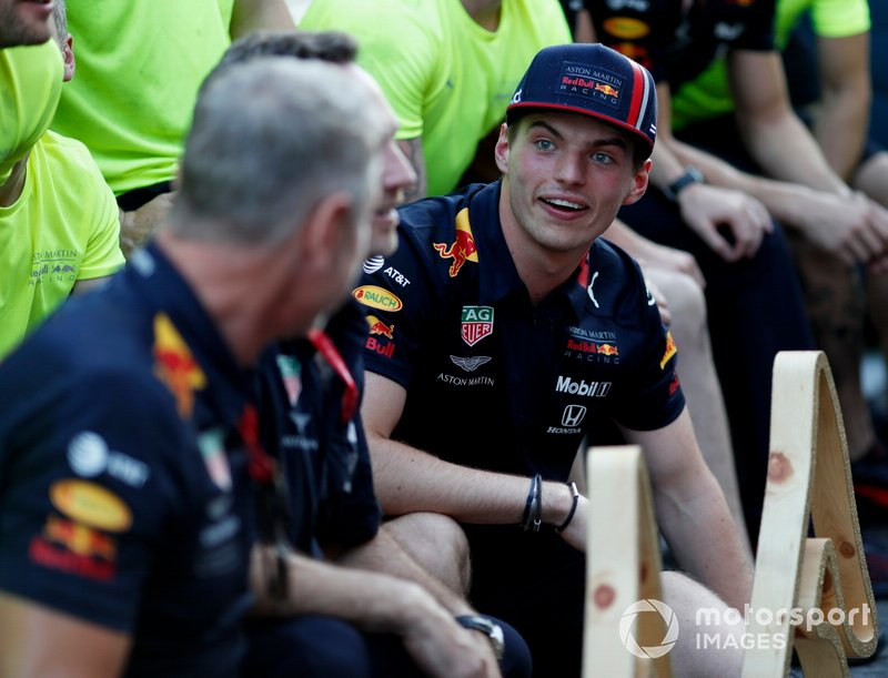 Christian Horner e Max Verstappen, Red Bull Racing festeggiano con il team