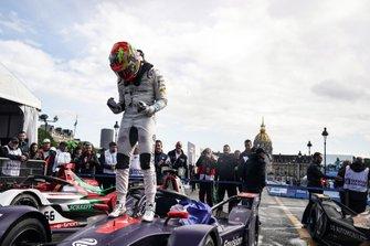 Robin Frijns, Envision Virgin Racing, Audi e-tron FE05, wins the race