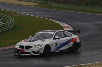 #207 BMW M4 GT4, BMW Team Italia: Fascicolo-Guerra