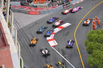 Sergio Sette Camara, Dams, leads Anthoine Hubert, Arden and Mick Schumacher, Prema Racing at the start, as Artem Markelov, MP Motorsport cuts the chicane