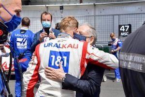 Mick Schumacher, Haas F1, with Jean Todt, President, FIA