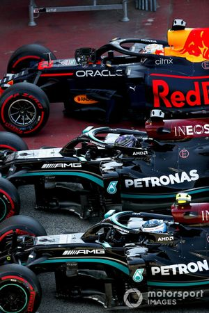 Valtteri Bottas, Mercedes W12, pole man Lewis Hamilton, Mercedes W12, and Max Verstappen, Red Bull Racing RB16B, in Parc Ferme after Qualifying