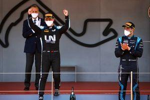 Race Winner Guanyu Zhou, Uni-Virtuosi Racing and Roy Nissany, DAMS celebrate on the podium