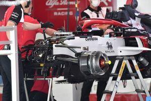Alfa Romeo Racing C41 front brake duct detail