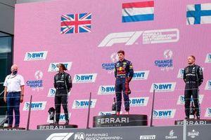 Helmut Marko, Consultant, Red Bull Racing, Lewis Hamilton, Mercedes, Max Verstappen, Red Bull Racing, en Valtteri Bottas, Mercedes