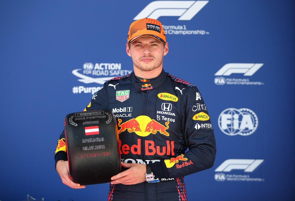 Ganador de la pole Max Verstappen, Red Bull Racing, celebra en Parc Ferme