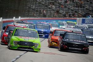 Chase Elliott, GMS Racing, Chevrolet Silverado Adrenaline Shoc, Todd Gilliland, Front Row Motorsports, Ford F-150 Speedy Cash