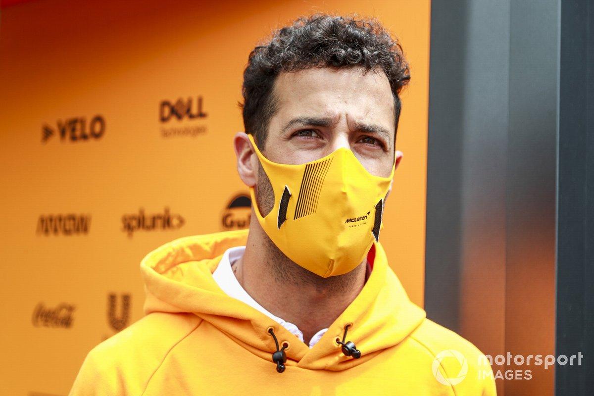 Daniel Ricciardo, McLaren speaks to McLaren media