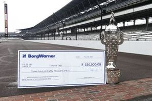 BorgWarner bonus checks for Takuma Sato, Rahal Letterman Lanigan Racing Honda
