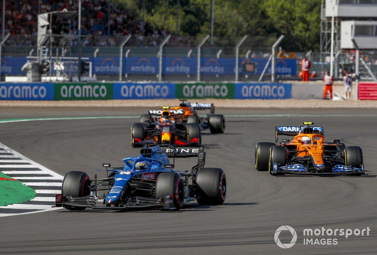 Fernando Alonso, Alpine A521, Lando Norris, McLaren MCL35M, Sergio PÉrez, Red Bull Racing RB16B