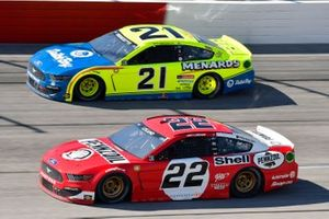 Joey Logano, Team Penske, Ford Mustang Shell Pennzoil, Matt DiBenedetto, Wood Brothers Racing, Ford Mustang Menards/Dutch Boy