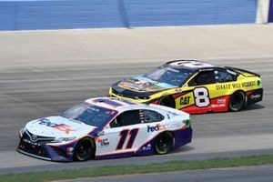 Denny Hamlin, Joe Gibbs Racing, Toyota Camry FedEx Express, Tyler Reddick, Richard Childress Racing, Chevrolet Camaro Quartz Hill Records