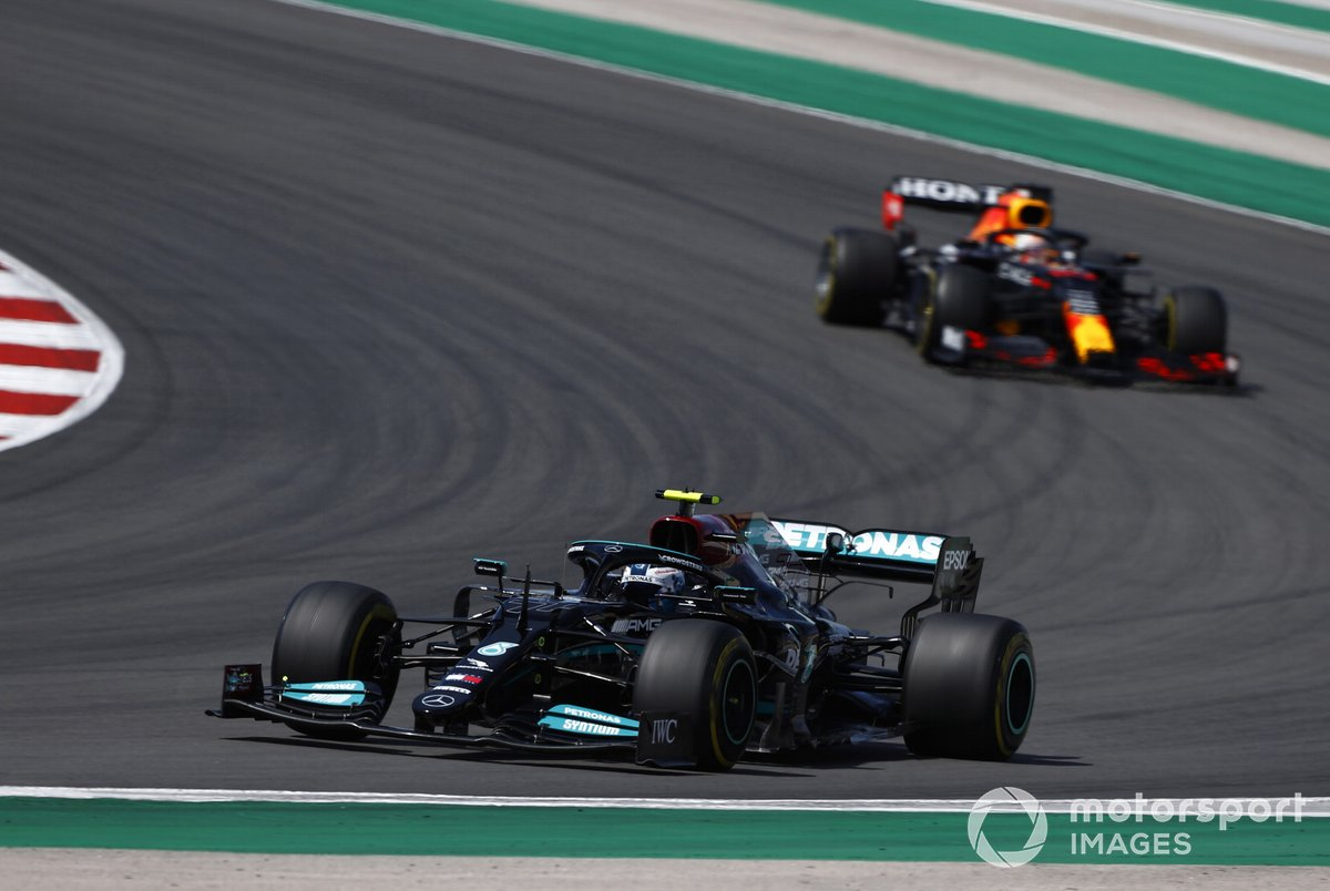 Valtteri Bottas, Mercedes W12, Max Verstappen, Red Bull Racing RB16B,