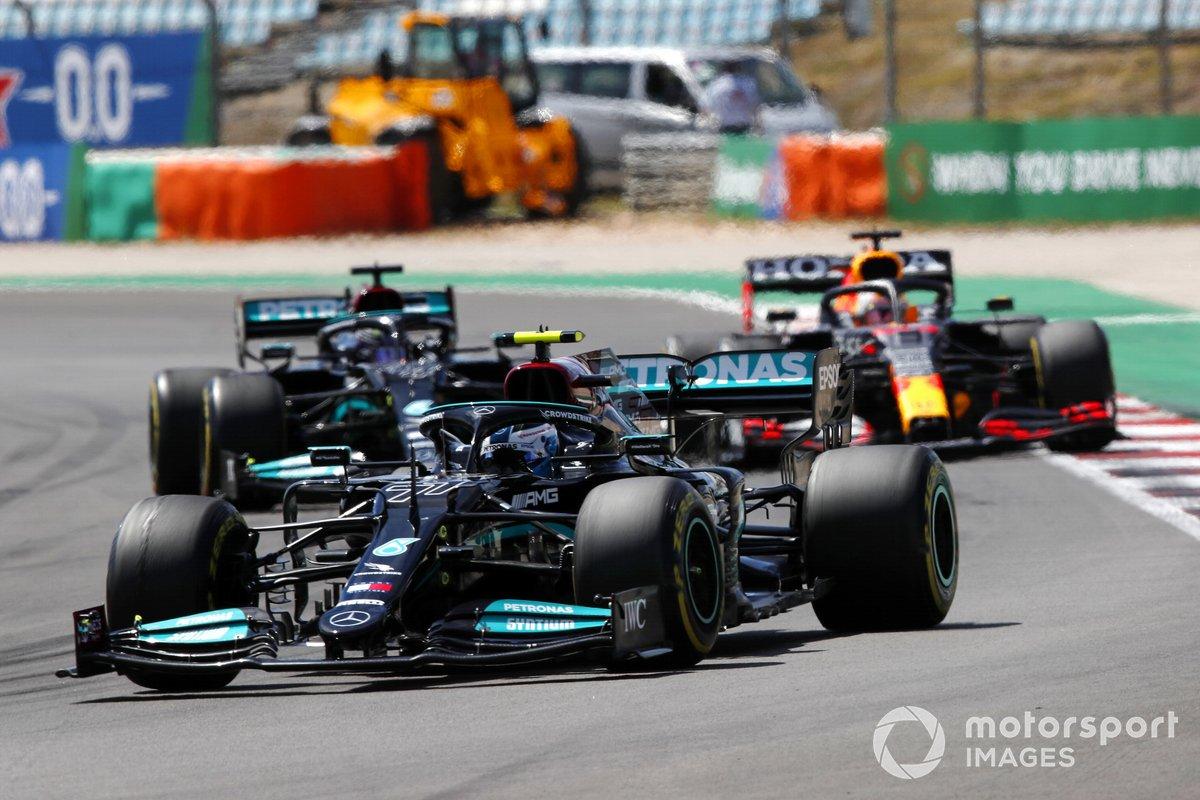 Valtteri Bottas, Mercedes W12, Max Verstappen, Red Bull Racing RB16B, Lewis Hamilton, Mercedes W12