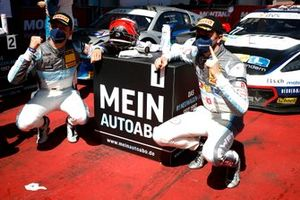 Ganadores #77 Callaway Competition CorvetteC7 GT3-R: Jeffrey Schmidt, Marvin Kirchhöfer