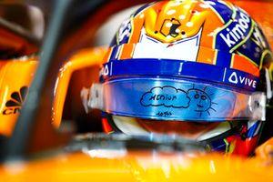 Lando Norris, McLaren, dans le cockpit