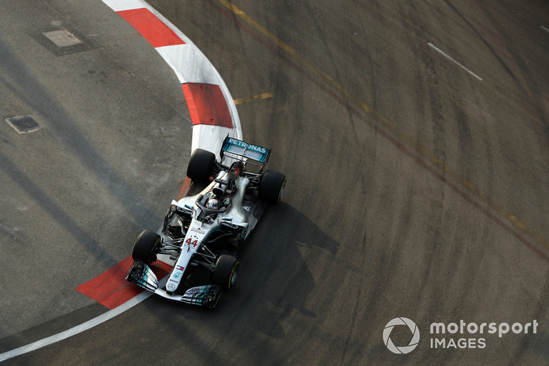 1. Lewis Hamilton, Mercedes AMG F1 W09 EQ Power+