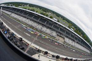 Justin Allgaier, JR Motorsports, Chevrolet Camaro Dove Men + Care and Ty Dillon, Richard Childress Racing, Chevrolet Camaro Advil