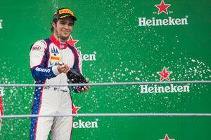 Podium: race winner Pedro Piquet, Trident