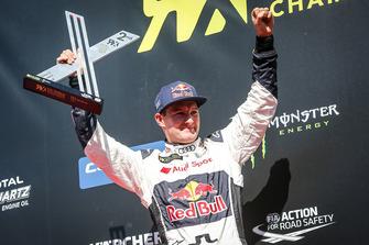Подиум: обладатель второго места Андреас Баккеруд, EKS Audi Sport