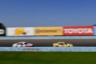 Chris Buescher, JTG Daugherty Racing, Chevrolet Camaro Velveeta, Brad Keselowski, Team Penske, Ford Fusion Wabash National