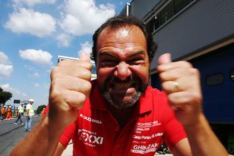 Cazzaniga festeggia la vittoria di Riccardo Cazzaniga, Ghinzani Arco Motorsport