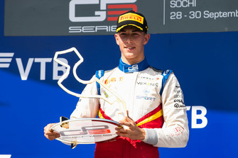 Podium: race winner Leonardo Pulcini, Campos Racing