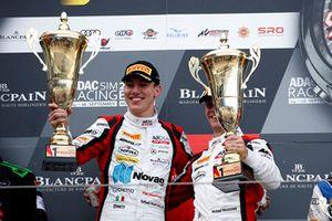 Подиум: победители №88 Akka ASP Team Mercedes-AMG GT3: Раффаэле Марчелло, Майкл Мидоус