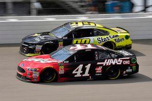 Kurt Busch, Stewart-Haas Racing, Ford Fusion Haas Automation e Gray Gaulding, StarCom Racing, Chevrolet Camaro StarCom Fiber