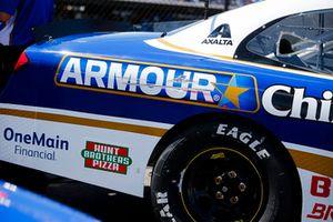 Elliott Sadler, JR Motorsports, Chevrolet Camaro Armour Chili Darlington Stripe