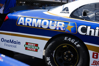 Elliott Sadler, JR Motorsports, Chevrolet Camaro Armour Chili Darlington Stripe