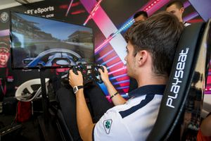 Charles Leclerc, Sauber en el simulador