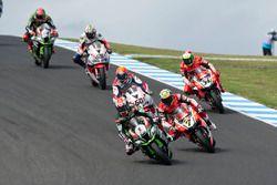 Jonathan Rea, Kawasaki Racing Team; Chaz Davies, Aruba.it Racing - Ducati Team; Michael van der Mark