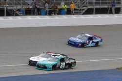 Denny Hamlin, Joe Gibbs Racing Toyota, William Byron, JR Motorsports Chevrolet