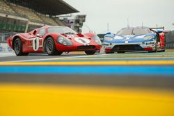 1967 Le Mans-winning Ford GT40 with the 2017 GTE-Pro Ford GT