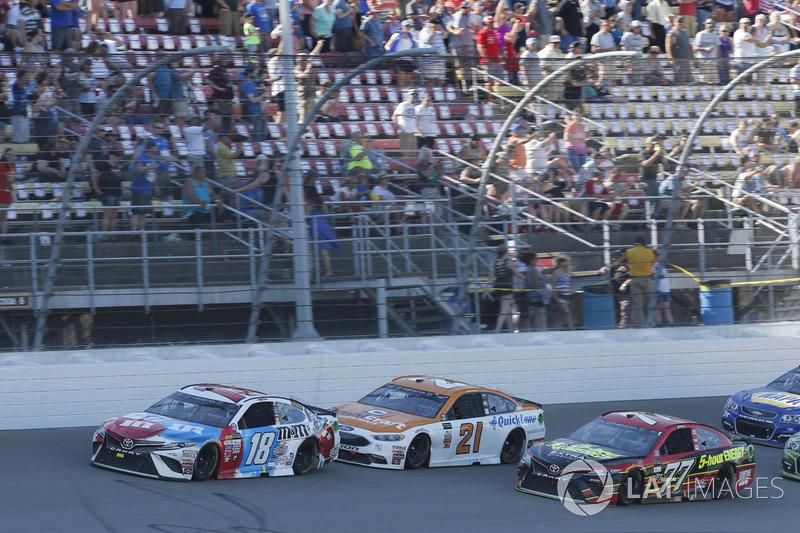 Kyle Busch, Joe Gibbs Racing Toyota Erik Jones, Furniture Row Racing Toyota Ryan Blaney, Wood Brothers Racing Ford