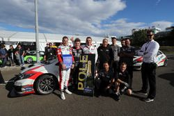 Polesitter Norbert Michelisz, M1RA, Honda Civic TCR with the team