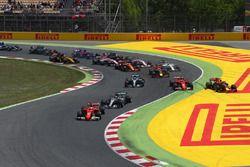 Unfall: Kimi Räikkönen, Ferrari SF70H; Max Verstappen, Red Bull Racing RB13; Sebastian Vettel, Ferra