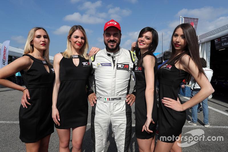 Daniele Cappellari, CRC - Cappellari Reparto Corse, SEAT León TCR with Grid girls