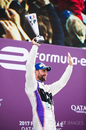 Jose Maria Lopez, DS Virgin Racing, célèbre son podium