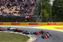 Départ : Sebastian Vettel, Ferrari SF70H, Lewis Hamilton, Mercedes AMG F1 W08, Valtteri Bottas, Mercedes AMG F1 W08, Max Verstappen, Red Bull Racing RB13