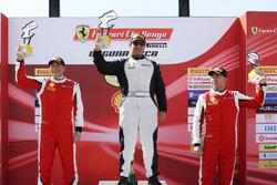 Coppa Shell podium: ganador, Barry Zekelman, segundo Osvalgo Gaio, third place Murray Rothlander