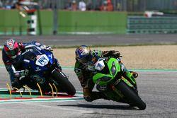 Kenan Sofuoglu, Kawasaki Puccetti Racing; Lucas Mahias, GRT Yamaha Official WorldSSP Team