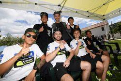 Valentino Rossi avec les participants du Yamaha VR46 Master Camp