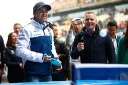 Felipe Massa, Williams, spielt Tischtennis